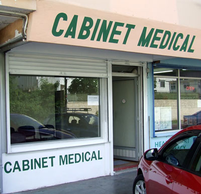 photo cabinet medical roches brunes